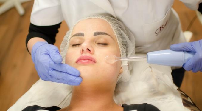 Апарат Дарсонваля відмінно лікує шкіру і волосся