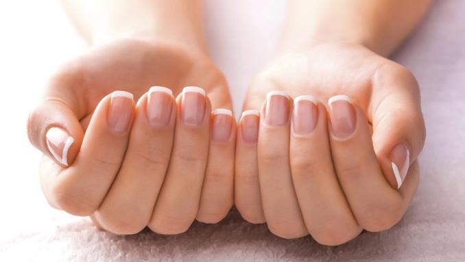 Догляд за нігтями. Найпоширеніші помилки